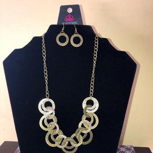 Treasure Tease Paparazzi Necklace
